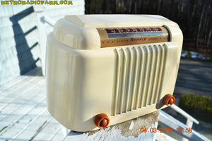 SOLD! - Apr 15, 2016 - CLASSIC 1947 Ivory Bendix Aviation Model 526A Bakelite AM Tube AM Radio Totally Restored! , Vintage Radio - Bendix Aviation, Retro Radio Farm  - 5
