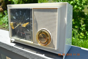 SOLD! - March 16, 2014 - RETRO Vintage Eames AM 1950's Westinghouse AM Tube Clock Radio H753LW Works! , Vintage Radio - Admiral, Retro Radio Farm  - 3