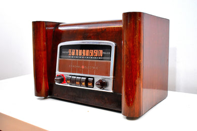 Solid Wood Beauty Art Deco 1942 General Electric Model L-660 Vacuum Tube Radio Huge Sound!