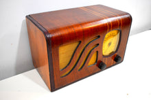Load image into Gallery viewer, Golden Age Vintage Wood 1939 Philco Model 39-6C AM Radio Sounds Great Hardwood Cabinet Sounds Wonderful!