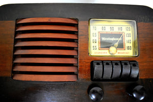 Wood Beauty 1940 Westinghouse WR-179 AM Tube Retro Radio Very Sweet Sounding!