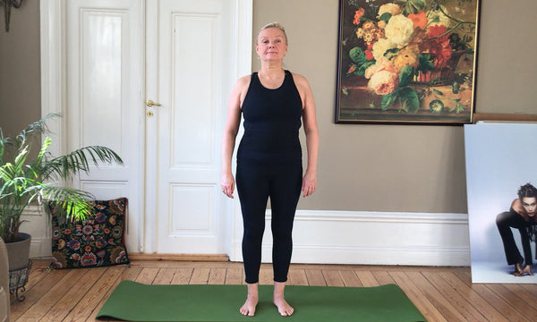 7 Min Pilates Morning Workout with Helena Stenberg