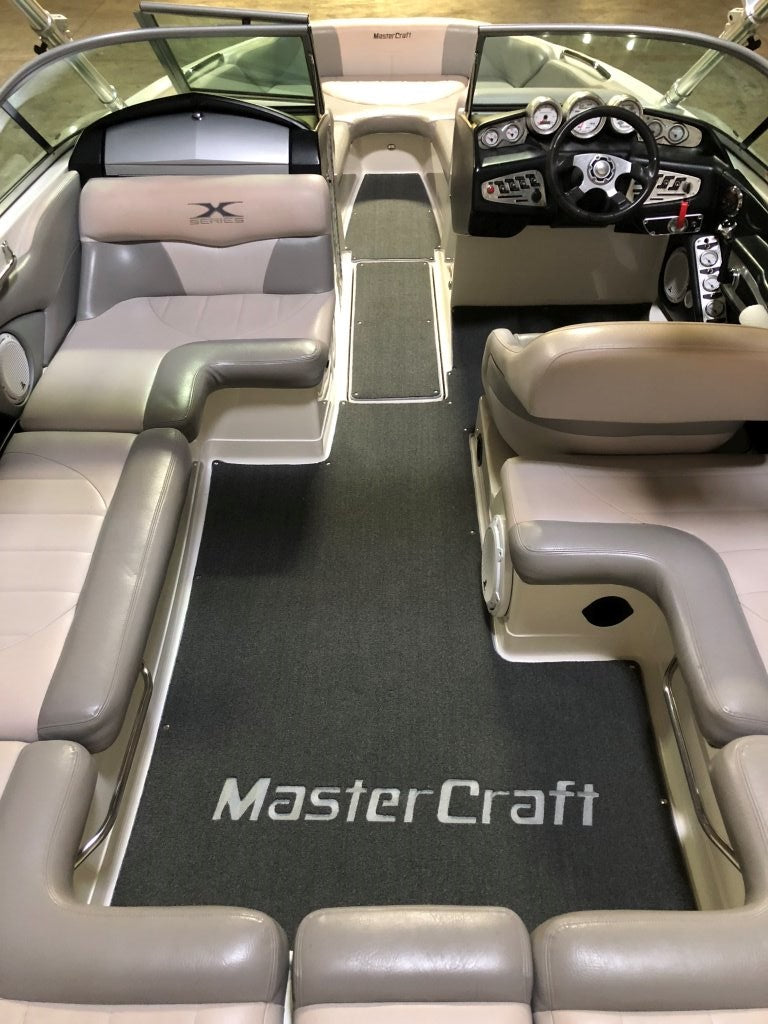 Need New Boat Carpet? Go to the Experts!