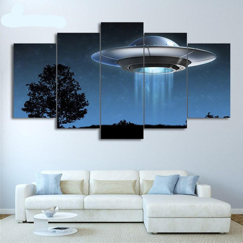 alien spaceship wall painting