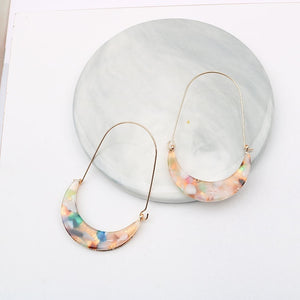Geometric Statement Fashion Women Colorful Leopard Print Printed Acrylic Moon Drop Earrings for Women Resin U Shaped Earrings Party Jewelry