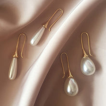 Load image into Gallery viewer, White Teardrop Simulation Pearl Earrings Dangle For Women Baroque Palace Style Jewelry Long Temperament Hook Simple Earrings