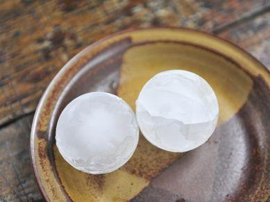Preventing the Cracking of an Ice Ball