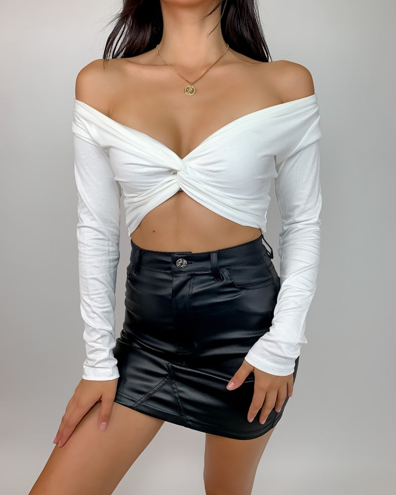 Donna Long Sleeve Knotted Crop