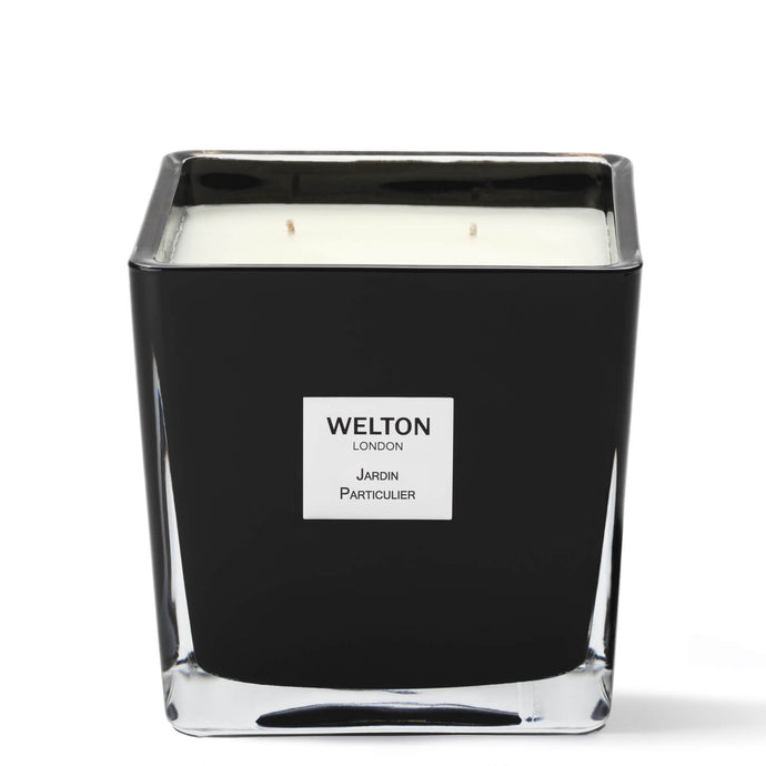 large luxury scented candle black cubic design minimalist style floral amber powdery scent high quality home fragrance to match your interior