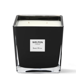 large luxury scented candle black cubic design minimalist style sweet oriental musky scent high quality home fragrance to match your interior