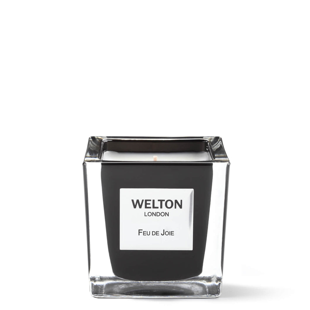 luxury scented candle black cubic design minimalist style woody smoky spicy scent high quality home fragrance to match your interior