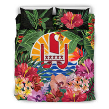 Load image into Gallery viewer, Tahiti Bedding Set - Coat Of Arms Tropical Flowers And Banana Leaves | Love The World