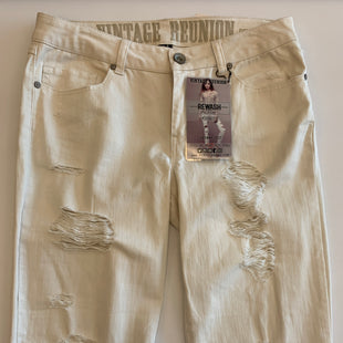Primary Photo - BRAND:    CLOTHES MENTOR STYLE: PANTS COLOR: WHITE SIZE: 10 OTHER INFO: VINTAGE REUNION - SKU: 212-21252-12662