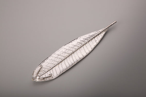 SILVER CHAMPA LEAF INCENCE HOLDER WITH MOGRA