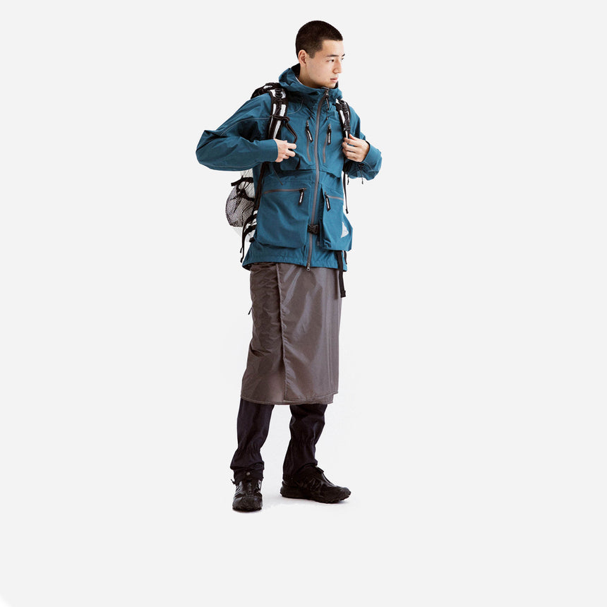 and wander E Vent Dropping Pocket rain jacket blue