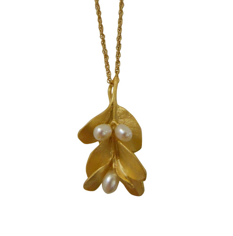 Gold Boxwood Necklace with Pearls