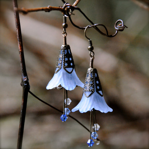 Skadi Arctic Blue Flower Earrings