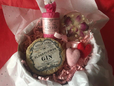 Valentine's Day Sweet Mementos Gift Box