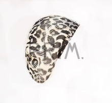 Load image into Gallery viewer, REVAZ LEOPARD KNIT SNOOD