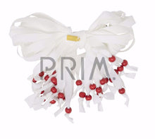 Load image into Gallery viewer, HEIRLOOMS STRINGY BOW PEARLS CLIP