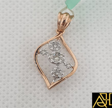 Load image into Gallery viewer, Fine Diamond Pendant Set