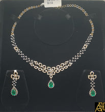 Load image into Gallery viewer, Bejeweled Diamond Necklace Set