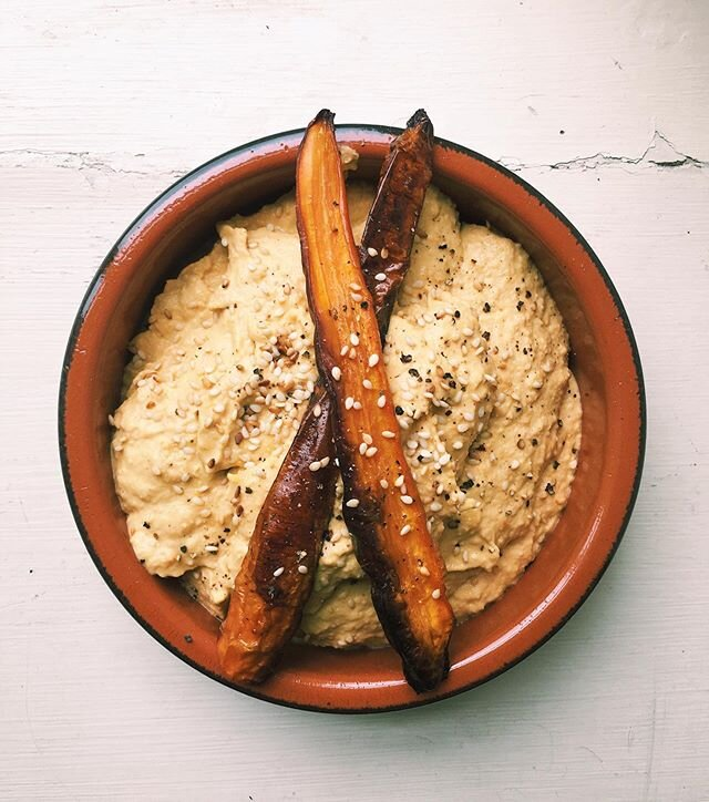 Delicious Roasted Carrot Creamy Hummus
