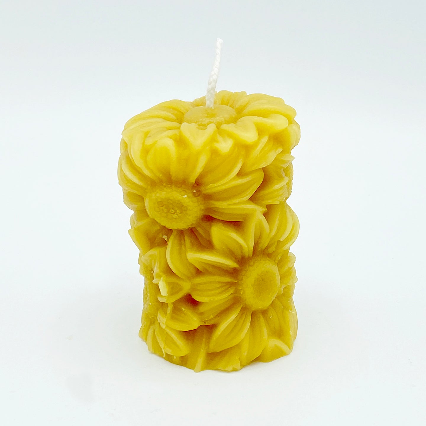 Daisy Pillar Candle