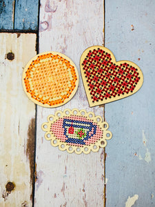 3 Blank Wooden Cross Stitch Frames Heart, Oval, Circle