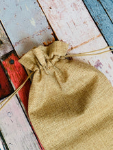Load image into Gallery viewer, 3 x Burlap Hessien Fabric Drawstring Gift Bags For Wedding, Birthday, Mother's Day, Thank You Gift