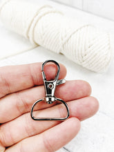 Load image into Gallery viewer, 10 x 24mm D ring swivel lobster clasp key rings for macrame key rings