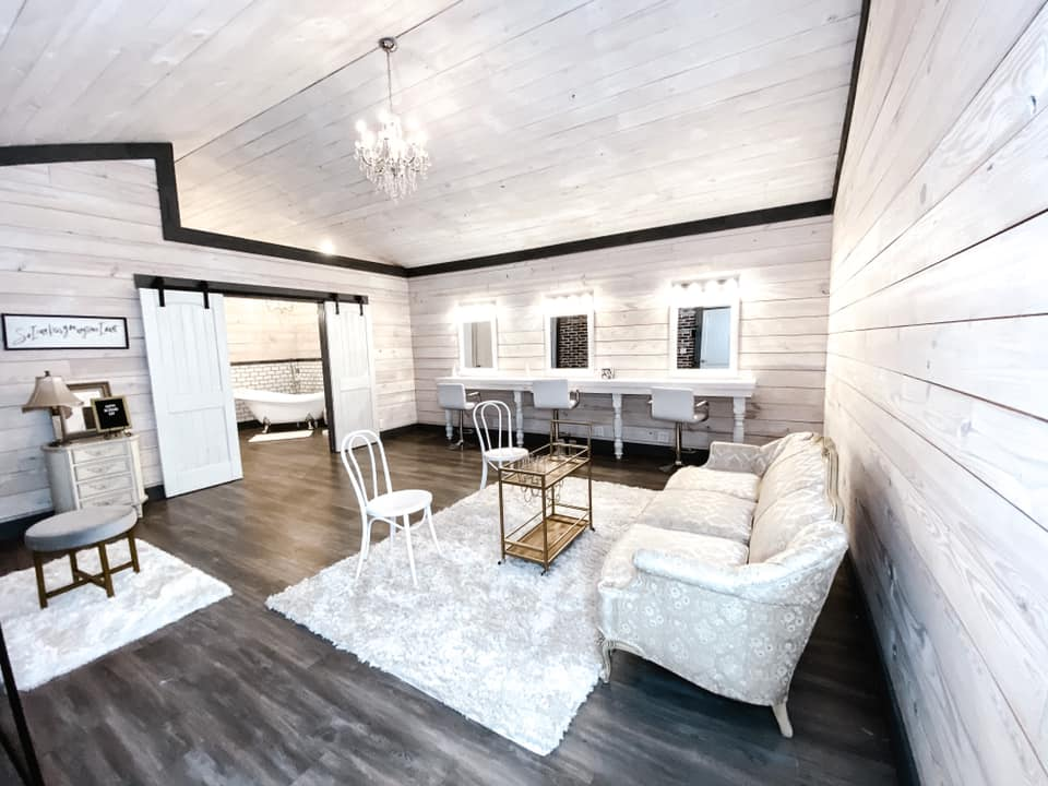Bridal Suite at A Thousand Cedars in Texas