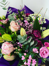 Load image into Gallery viewer, £25 Florist Choice Hand-Tied Bouquet