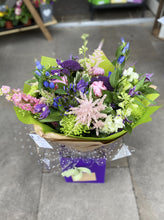 Load image into Gallery viewer, £35 Florist Choice Hand-Tied Bouquet