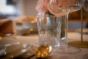 Complete Infinity tablescape look for 4 people