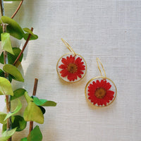 Red Daisy Rounds with hoops