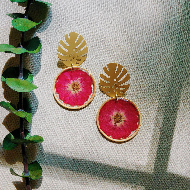 Wild Rose with Matte Gold Monstera stud