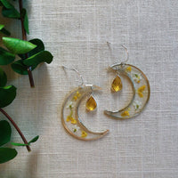 Yellow Alyssum Moon with Topaz Quartz - Silver