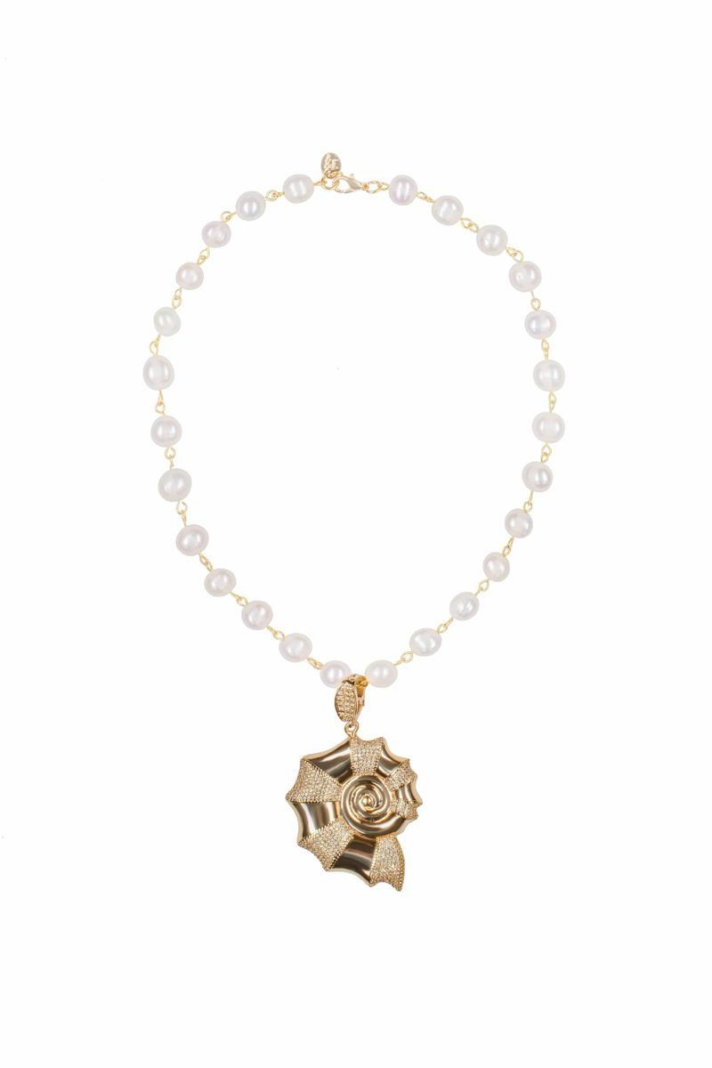 Moonshell Crystal Pearl Necklace - BYTRIBUTE