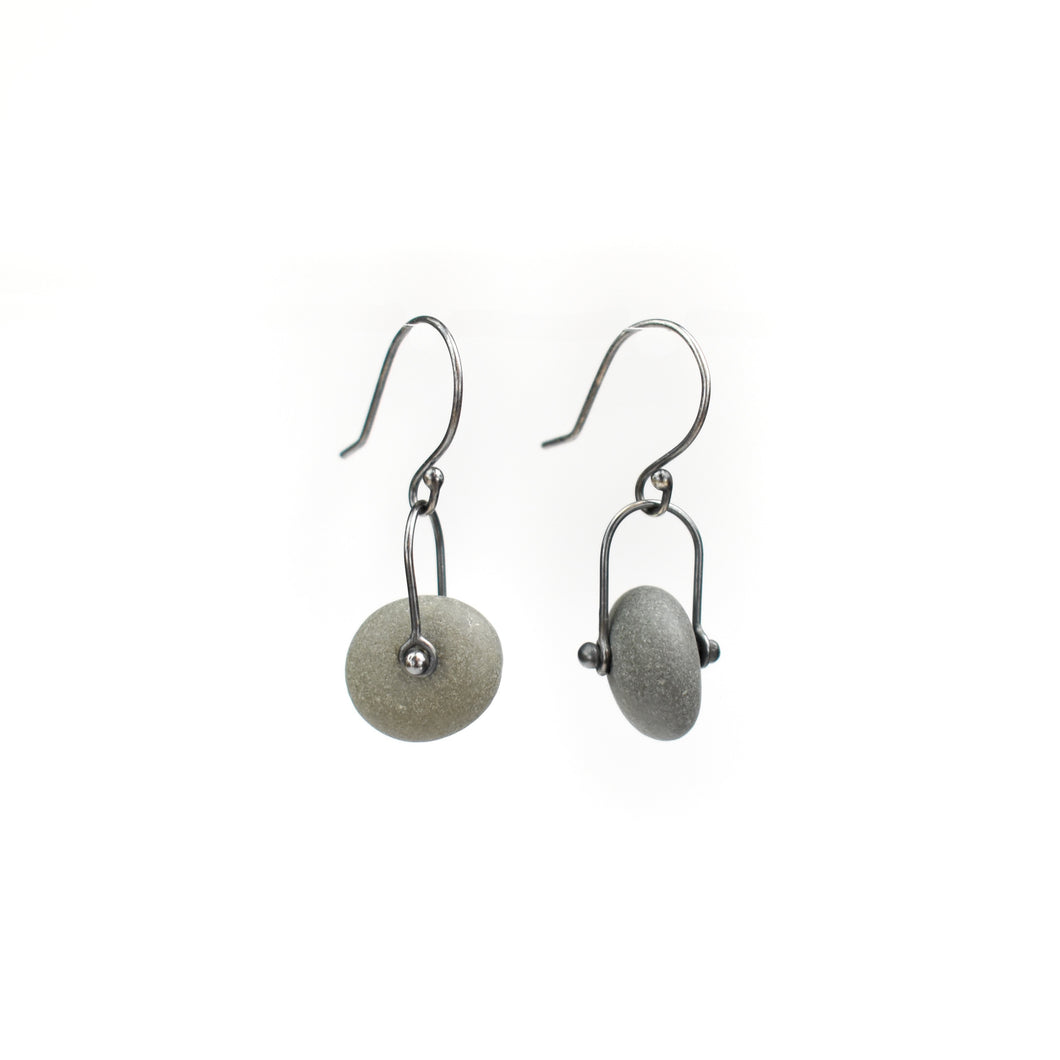 Jennifer Nunnelee Rivet Stone Earrings
