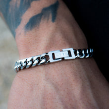 Load image into Gallery viewer, Cuban Link Bracelet (8mm) in White Gold