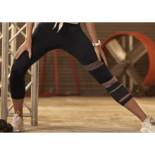 Load image into Gallery viewer, Black Vented Stronger Leggings - Roseland y Mar
