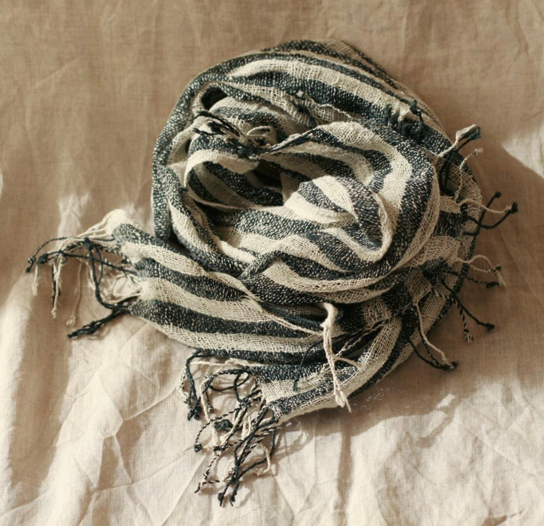 Fatima Hand-loomed Raw Cotton Scarf - Roseland y Mar