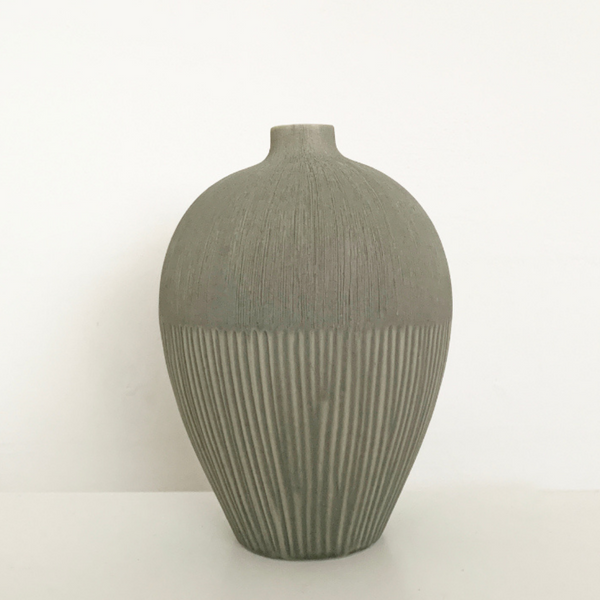 Ebba Vase in Light Grey