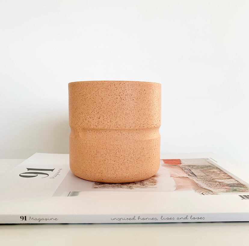 Chubby Pot in Peach
