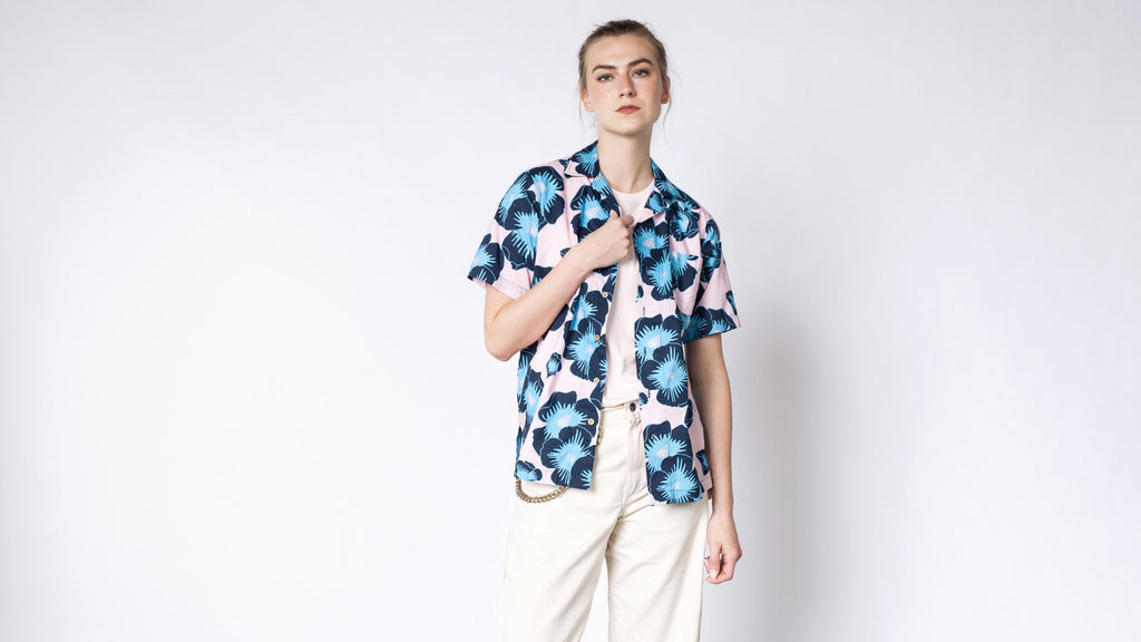 AMBSN  Floyde Button Up
