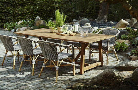 Outdoor Dining Table and Patio Chairs