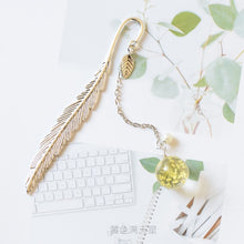Load image into Gallery viewer, EZONE Crystal Pendant Bookmark Metal Leaves Chinese Style Bookmark Dried Flower Pendant Bookmark Lucky Gift Students Stationery