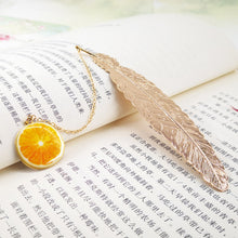 Load image into Gallery viewer, EZONE Metal Feather Bookmarks Luxurious Golden Bookmarks With Creative Pendant Gift Box Packing Students Stationery Friends Gift
