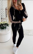 Load image into Gallery viewer, Women Fashion Leopard Printed Two Pieces Sports Suits Tops with Pants